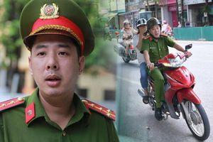 Phóng viên có mặt tại điểm thi kể lại khoảnh khắc Đại úy công an phóng xe đi đón nữ sinh ngủ quên ở Hà Giang