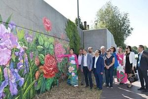 Bức tranh tường kết nối hữu nghị Việt Nam-Pháp