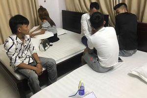 Nghệ An: Công an đột kích vào phòng nghỉ khách sạn, tóm gọn nhóm thanh niên đang phê ma túy