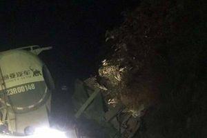 Sơn La: Va chạm kinh hoàng tại khúc cua, tài xế chết thảm trong cabin