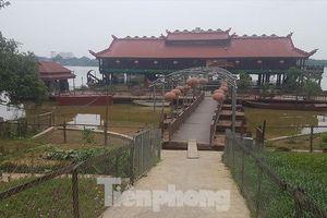 Địa ốc 8AM: 'Biệt phủ', nhà hàng mọc trái phép trên sông Hồng, xuất hiện đảo giữa hồ Đồng Mô