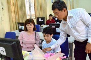 An Giang: Dạy tin học miễn phí cho con CNVC-LĐ khó khăn