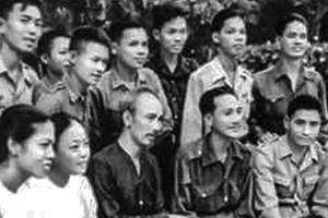 Tư tưởng Hồ Chí Minh về phát huy dân chủ, chăm lo đời sống nhân dân