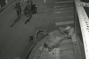 Vụ taxi đâm văng 2 người rồi bỏ chạy: Nếu bạn có mặt trong đêm hôm ấy, bạn có dừng lại để giúp đỡ?