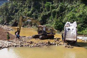 Vụ suối A Lin 'chảy máu' do khai thác cát trái phép ở Thừa Thiên Huế: Huyện nói gì?