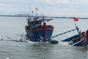 Quảng Ngãi: Cứu kịp thời 8 người bị nạn trên biển