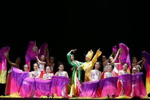 Truyện cổ tích Việt Nam tái hiện sinh động qua vở đại vũ kịch của 78 vũ công nhí