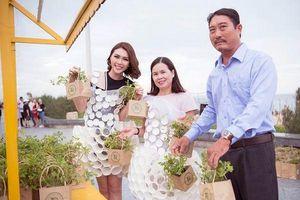 Người đẹp Tường Linh mặc váy tái chế kêu gọi bảo vệ môi trường