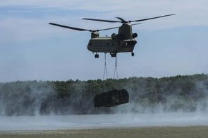 Tròn mắt xem NATO bắc cầu phao, vượt sông to nhì châu Âu