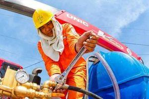 Huy động nhiệt điện chạy dầu để đáp ứng nhu cầu khách hàng