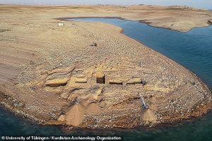 Cung điện 3.400 năm của đế chế Trung Đông nổi lên giữa dòng sông sau hạn hán