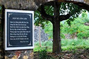 Thưa bà Ninh Thị Thu Hương, cần tính sao với bài 'Đập đá ở Côn Lôn' trên SGK?