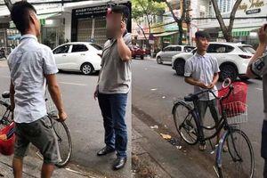 Vào Đà Nẵng đánh giày lấy giá 330 ngàn, gã trai Thanh Hóa bị đưa về đồn công an