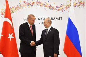 Vụ pháo kích ở Idlib: Vô tình hay thông điệp 'sấm sét' Nga dành cho Thổ Nhĩ Kỳ?