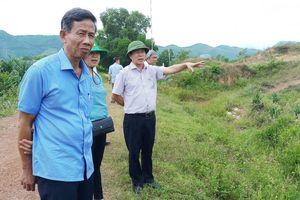 Vụ khai thác mỏ đá ở Phong Điền (Thừa Thiên Huế) gây nứt nhà, ô nhiễm: Loay hoay tìm phương án giải quyết cho dân