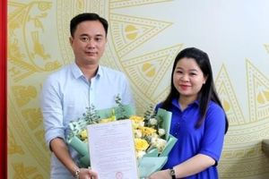 Trao quyết định bổ nhiệm lại Phó Tổng Biên tập Báo Tuổi trẻ Thủ đô