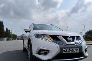 Thanh lý hàng tồn kho, Nissan X-Trail giảm giá tới 150 triệu đồng