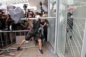 Cảnh tượng tan hoang sau cuộc biểu tình bạo lực ở Hong Kong
