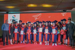Trung tâm Tiếng Anh Du Học Etest vinh danh học viên đạt học bổng du học
