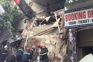 Điều tra nguyên nhân vụ ngôi nhà 2 tầng trên phố Hàng Bông đang sửa chữa bất ngờ đổ sập