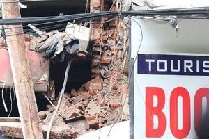 Hiện trường nhà 2 tầng ở Hàng Bông đổ sập