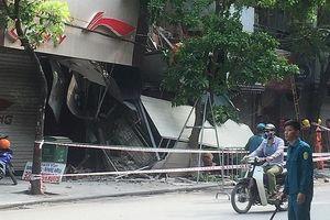 Hà Nội: Sập nhà trên phố Hàng Bông