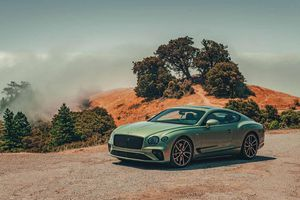 Bentley Continental GT V8 2020 giá từ 203.825 USD