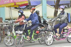 Người điều khiển xe máy, xe đạp điện phải có bằng lái?