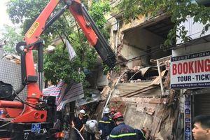 Hà Nội: Sập ban công nhà số 56 phố Hàng Bông