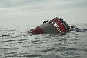 Tạm dừng tìm kiếm 9 ngư dân mất tích trong vụ tàu cá bị chìm trên biển