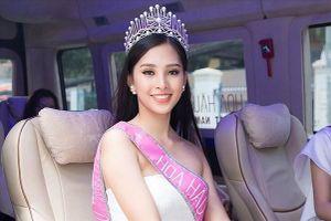Hoa hậu Trần Tiểu Vy là đại sứ hình ảnh cho Lễ hội Hang động Quảng Bình 2019