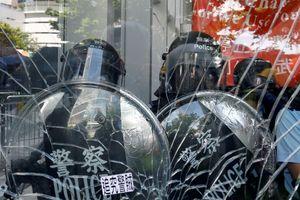 Trung Quốc chỉ trích Anh 'ảo tưởng thực dân' về Hong Kong