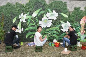 Tranh tường Mùa xuân Pháp - Việt bên sông Seine