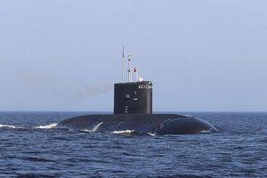 14 thủy thủ Nga đã tự nhốt mình trong hỏa hoạn để cứu tàu ngầm tối mật?
