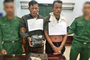 Bắt 2 đối tượng người Lào, thu giữ 2kg ma túy đá