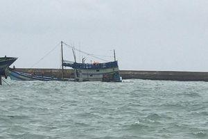 Chìm tàu chở 70 ngàn lít dầu, nguy cơ tràn dầu ở biển đảo Phú Quý