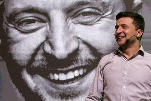 Tổng thống Ukraine Zelensky gây cười ở hội nghị về cải cách nước này