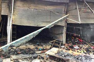 Thanh Hóa: Lửa thiêu rụi nhiều ki ốt tại thành phố Sầm Sơn