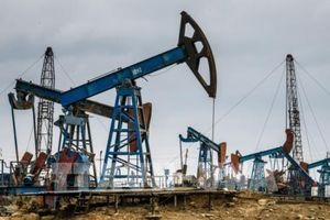 Giá dầu châu Á phục hồi sau khi giảm mạnh trong phiên trước