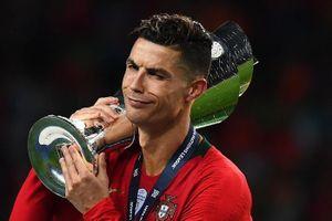 Xin đừng tiếp tục lấy Ronaldo để dìm Messi