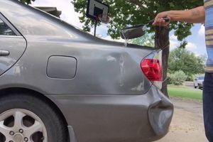 Thực hư chuyện đổ nước sôi khắc phục móp méo trên ô tô
