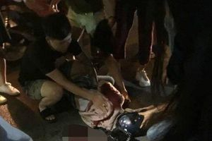 Kẻ cuồng ghen đâm bạn gái dã man rồi đăng ảnh dao dính máu lên Facebook