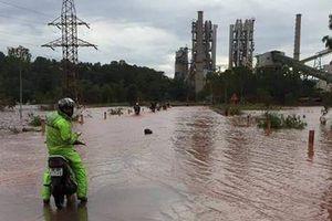 Bão số 2 gây mưa lớn làm sụt mố cầu ở Thanh Hóa, 2 người tử vong