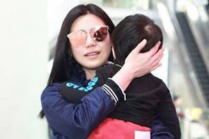 'Tiểu Long Nữ' Trần Nghiên Hy phản ứng tin bỏ mặc con cho chồng