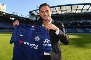 Trở lại Chelsea, tân HLV Lampard đối mặt nhiều khó khăn