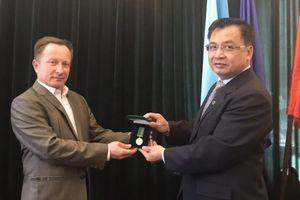 Đại sứ quán Việt Nam làm việc với Cơ quan Biên phòng nhà nước Ukraine