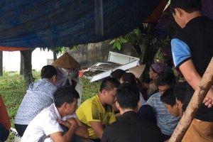 Hà Nội: Dân kiên quyết chặn xe rác vào bãi Nam Sơn, bất chấp mưa bão