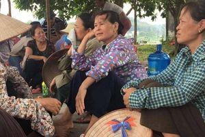 Hà Nội: Vì sao sau đối thoại, dân vẫn dựng lều chặn xe vào bãi rác Nam Sơn?