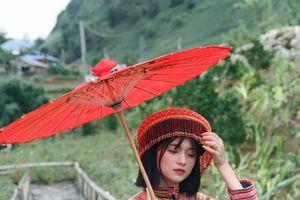 Truy lùng info của nữ sinh xinh xắn trong trang phục dân tộc và hát nhép 'Để Mị nói cho mà nghe'