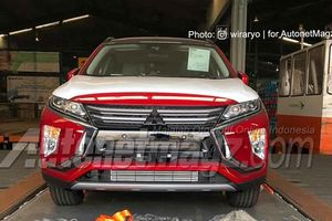 Mitsubishi Eclipse Cross đến Indonesia, chờ ngày về Việt Nam đấu Kona, HR-V